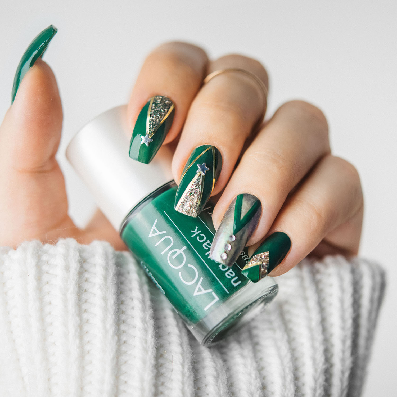 Gröna och guldiga julnaglar med LYX Cosmetics Lacqua Forest Hug