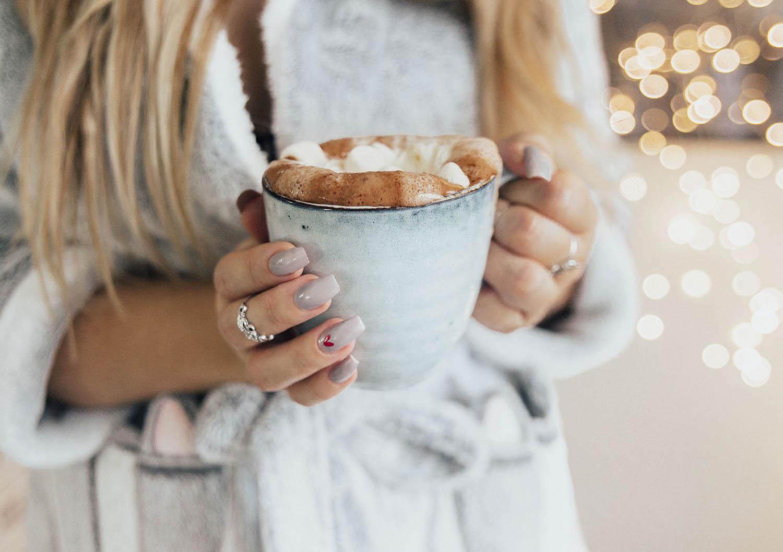 Hot Chocolate & Grey Lackryl Nails