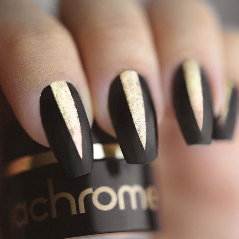 LYX Cosmetics Lachrome - Svarta och guldiga nyårsnaglar