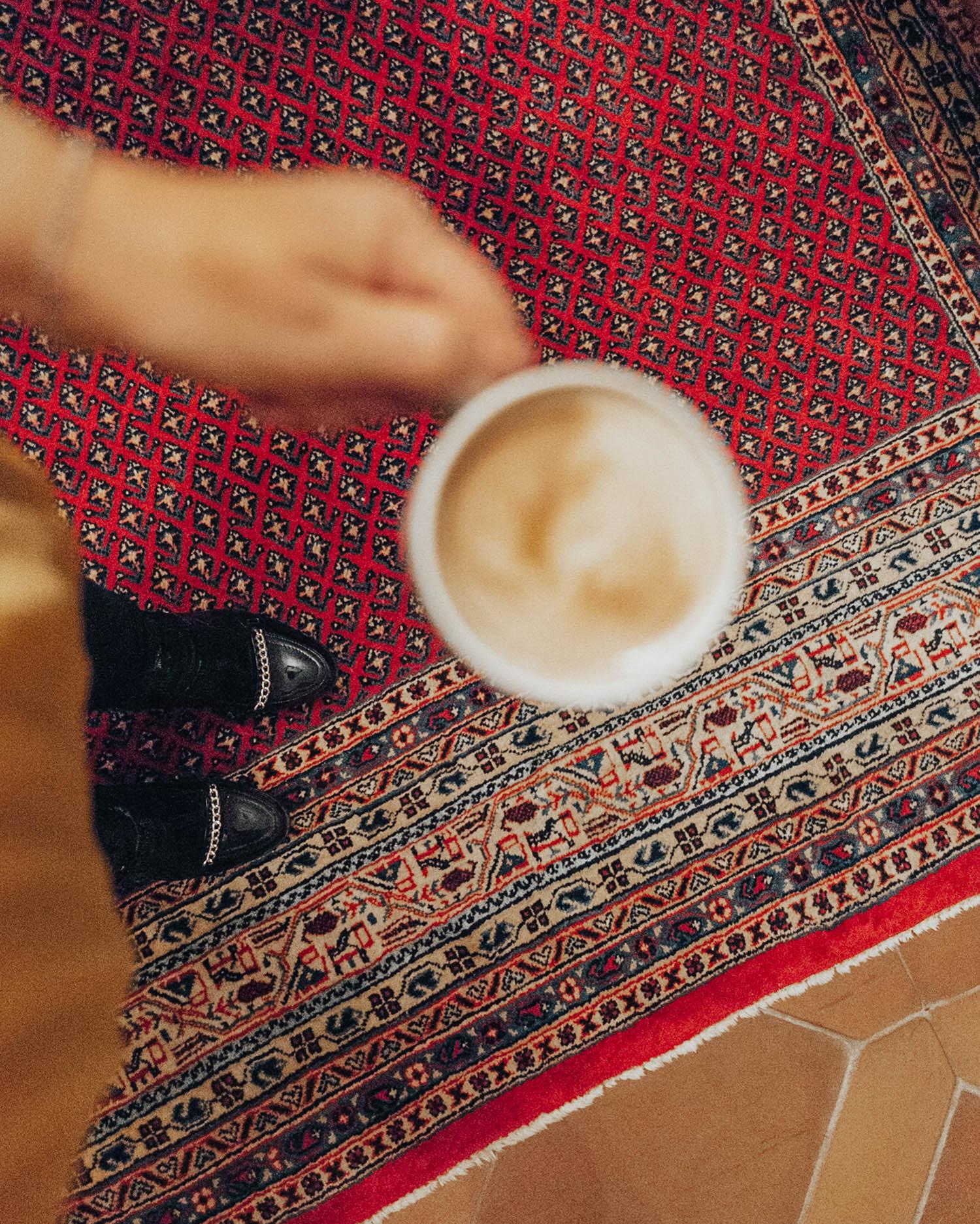Svarta lackboots & en Latte