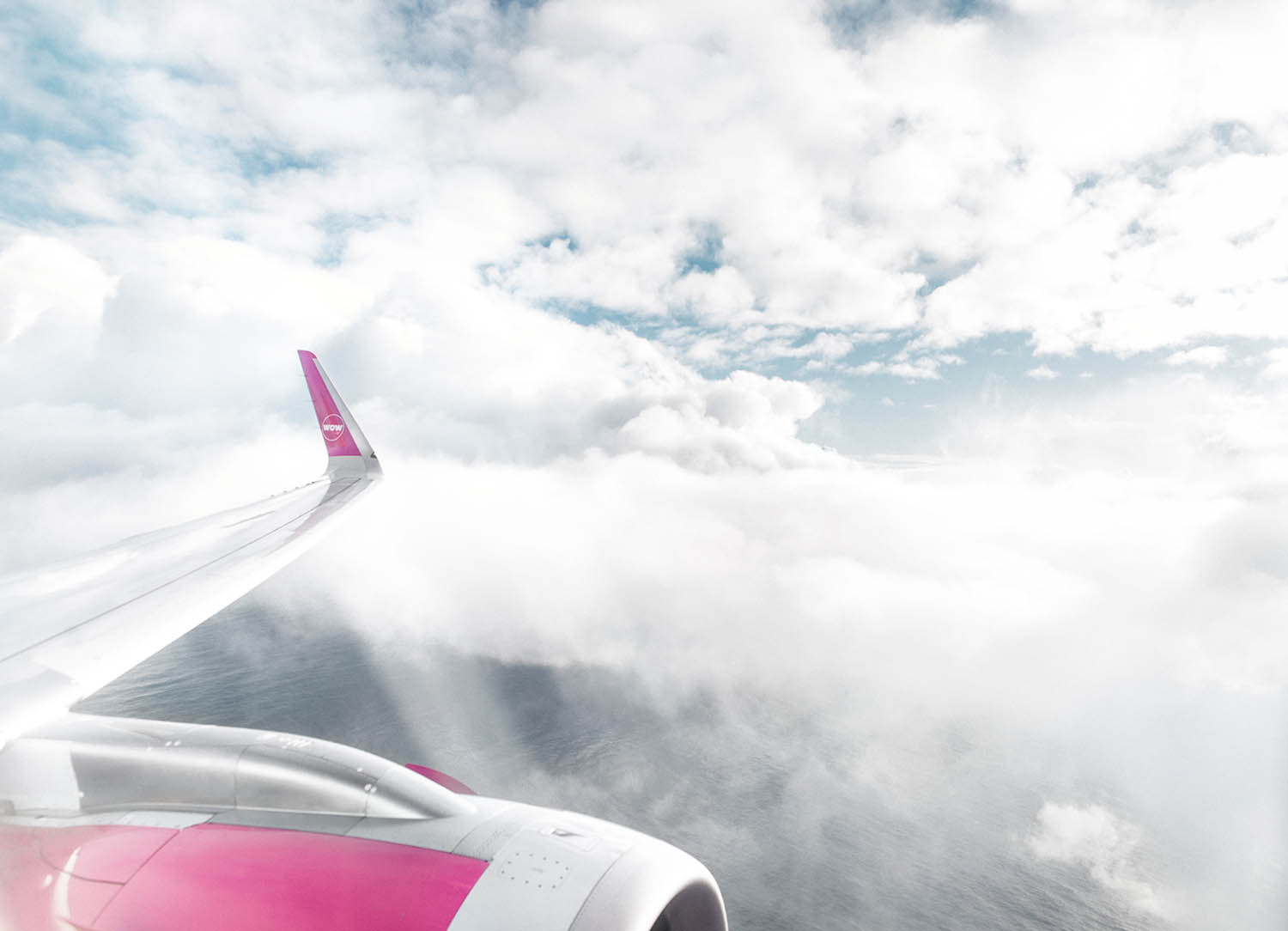 Traveling to San Francisco - View from WOW air's pink plane