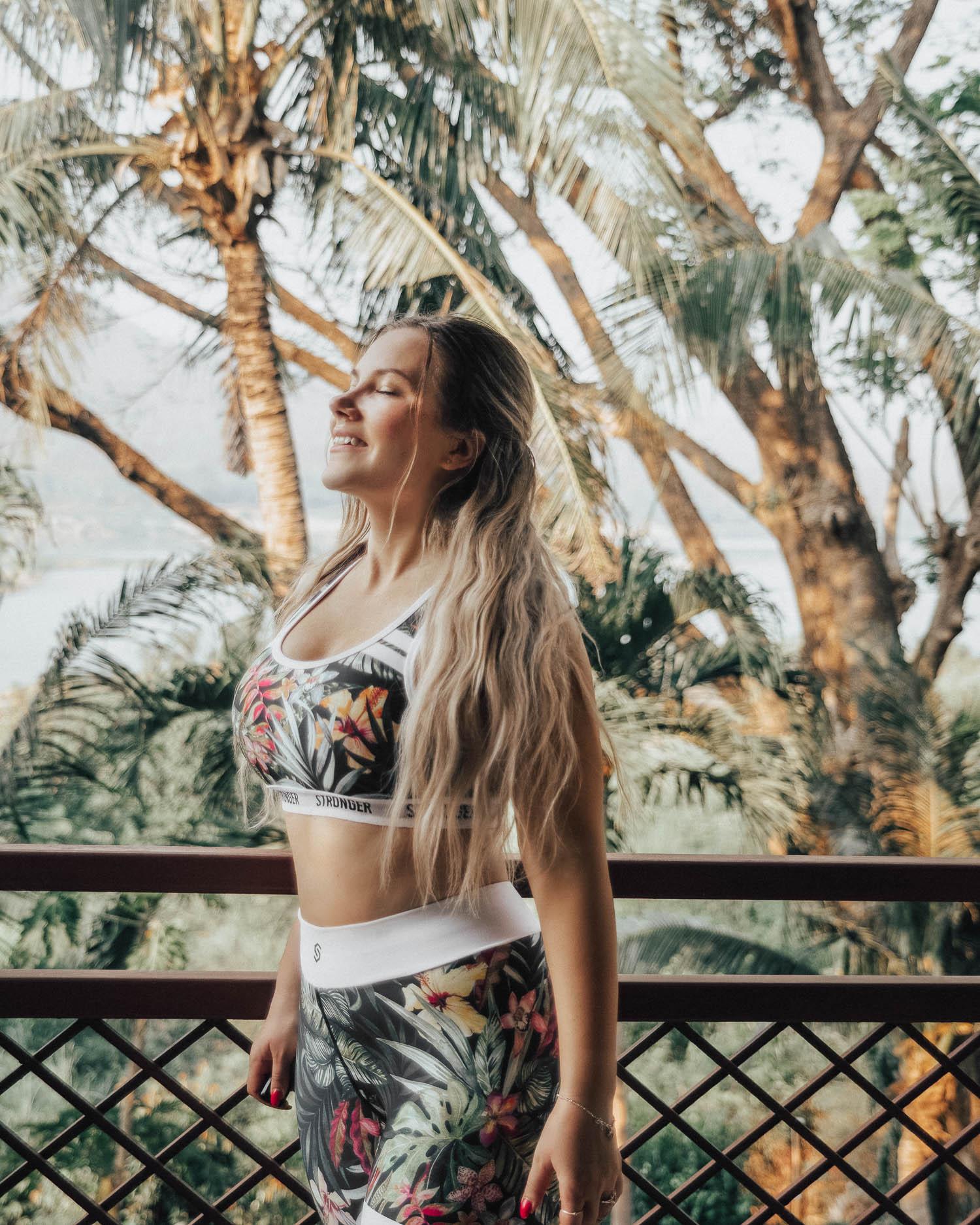 Adaras i Thailand - Snygga träningskläder från Stronger