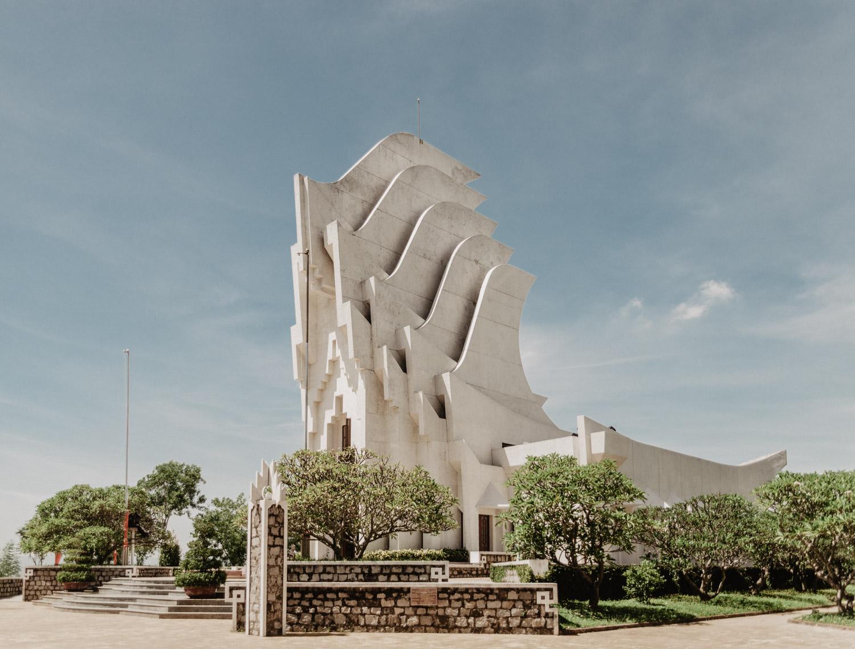 Đài Tưởng Niệm Núi Nhạn, Phu Yen, Vietnam