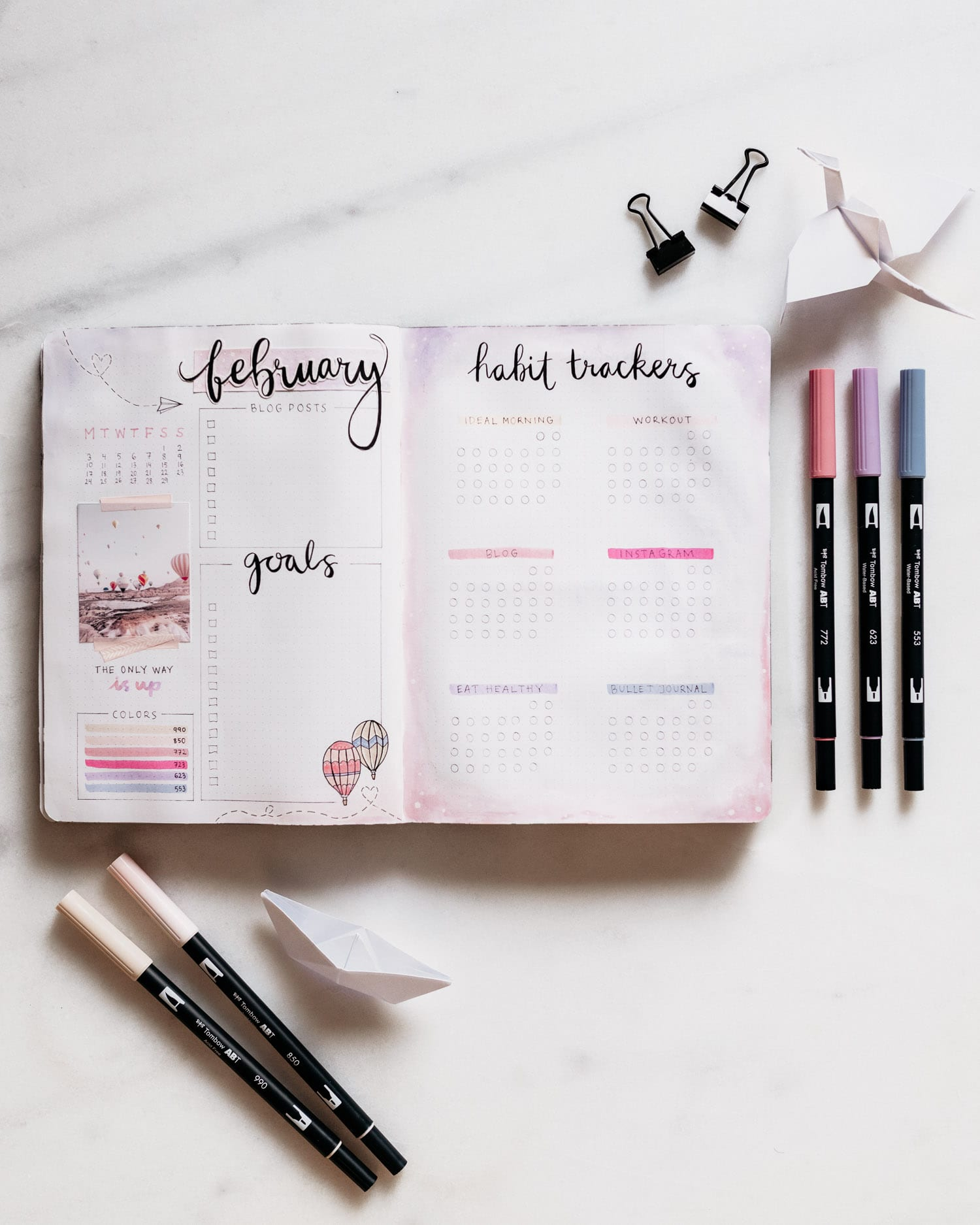 Bullet Journal Monthly Log Idea - Hot Air Balloon Theme