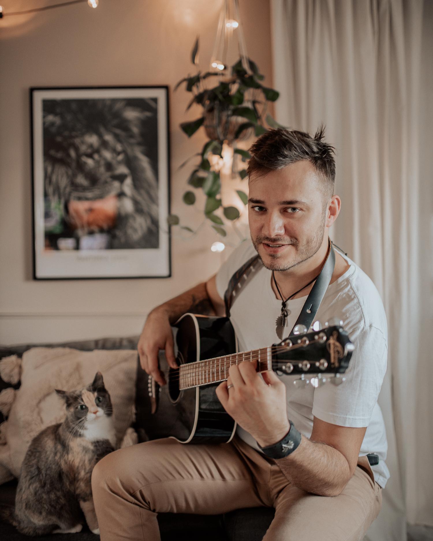Spela gitarr |Saker att göra hemma i karantän