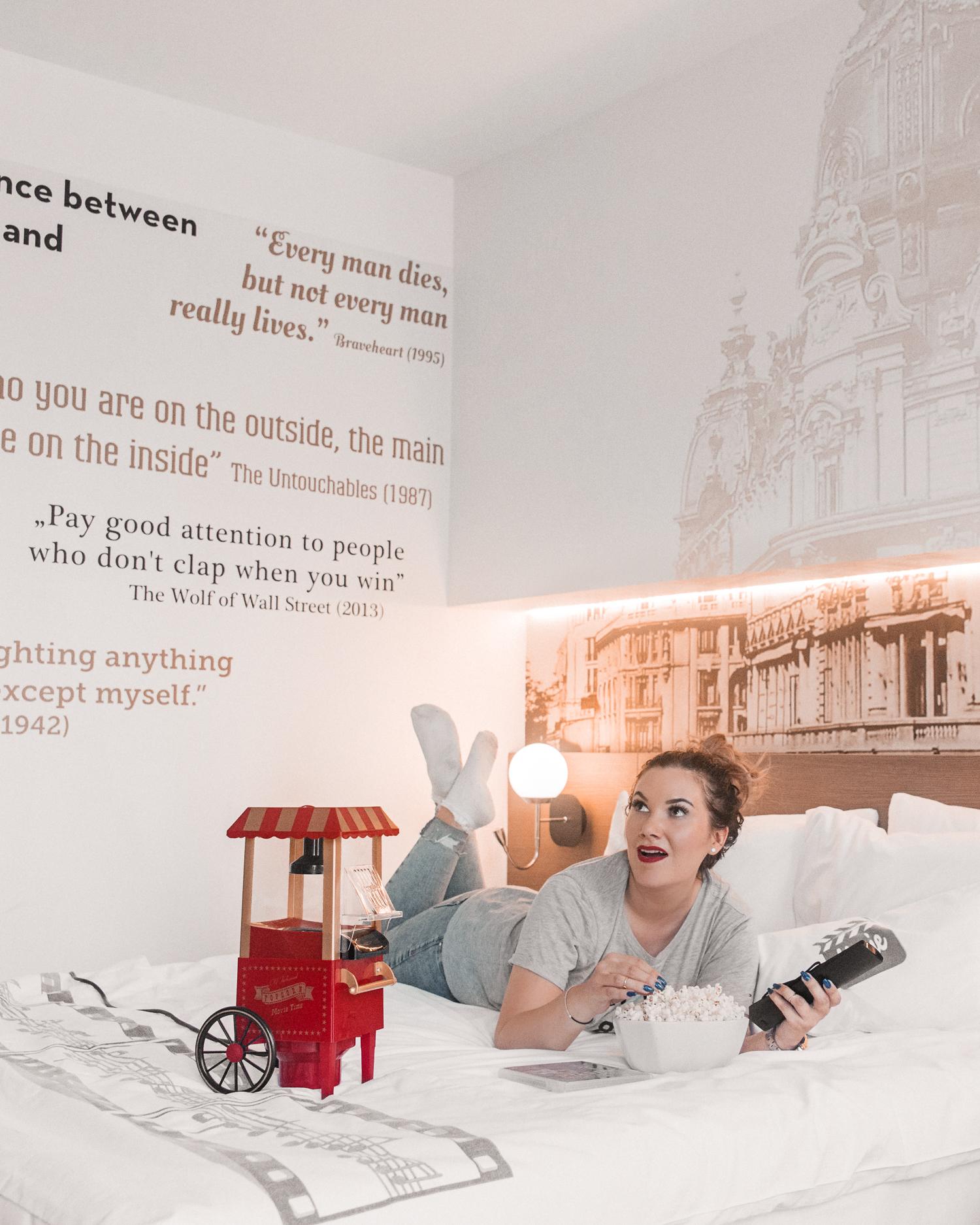 Filmkväll i sängen |Saker att göra hemma i karantän