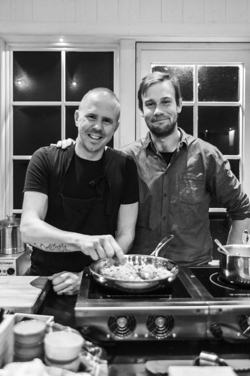 Kock-Anders och ekobonde-Adam på restaurang MULL